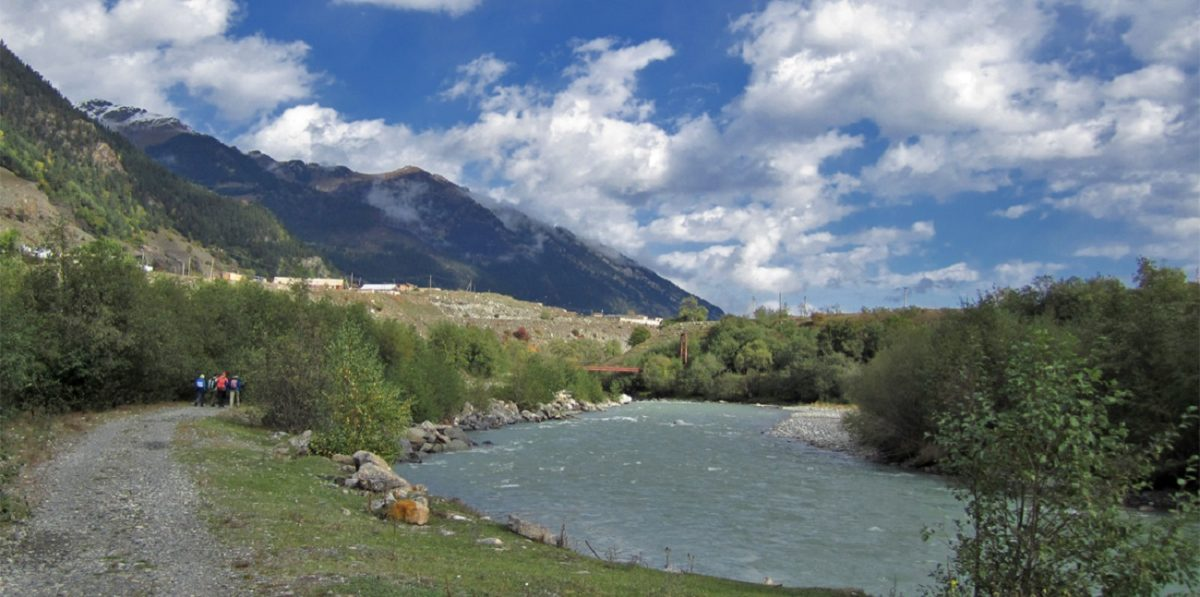 ущелью реки Теберда.