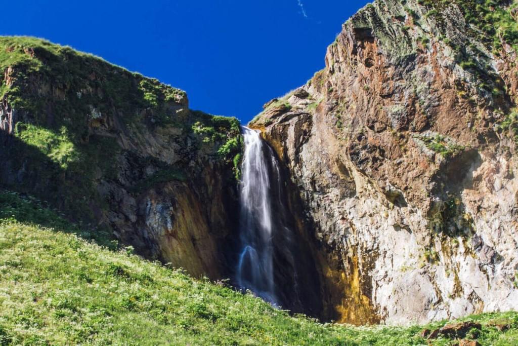 Водопад Эмир Джилы Су