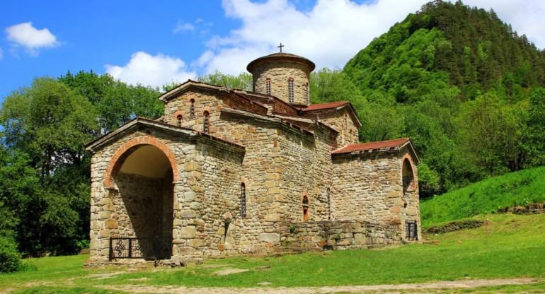 Северный Зеленчукский храм, бывший кафедральный собор государства Алания.
